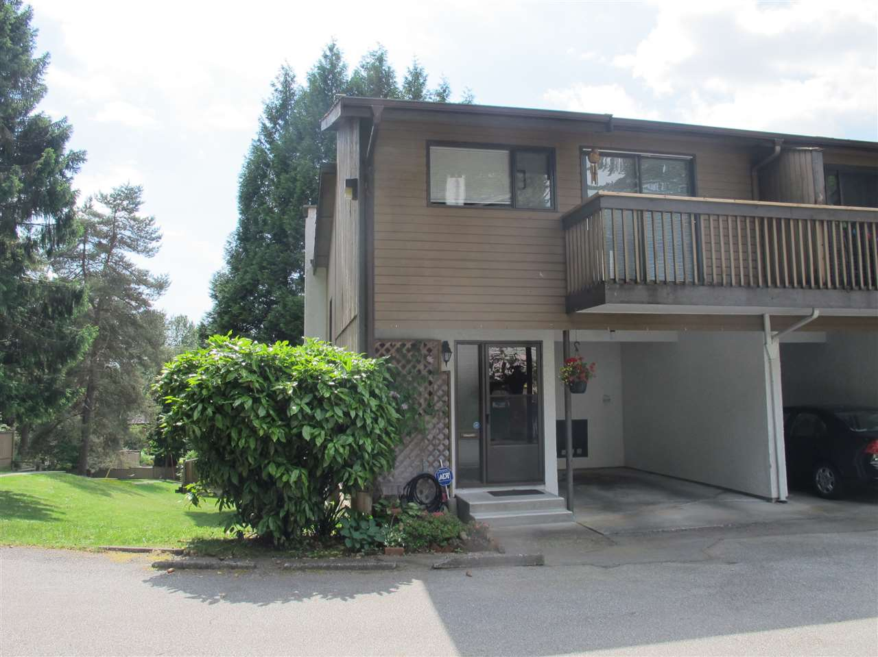 Main Photo: 2899 CORONA Drive in Burnaby: Simon Fraser Hills Townhouse for sale (Burnaby North)  : MLS® # R2182431