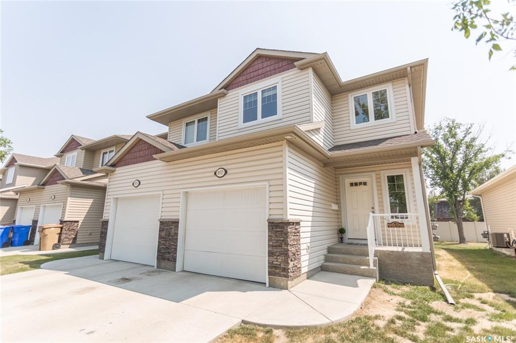 Main Photo: 857 CONNAUGHT Street in Regina: Rosemont Townhouse (Condo) for sale : MLS® # SK700432