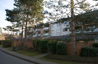 "Main Photo: 306 8540 CITATION Drive in Richmond: Brighouse Condo for sale in ""BELMONT PARK"" : MLS® # R2201207"