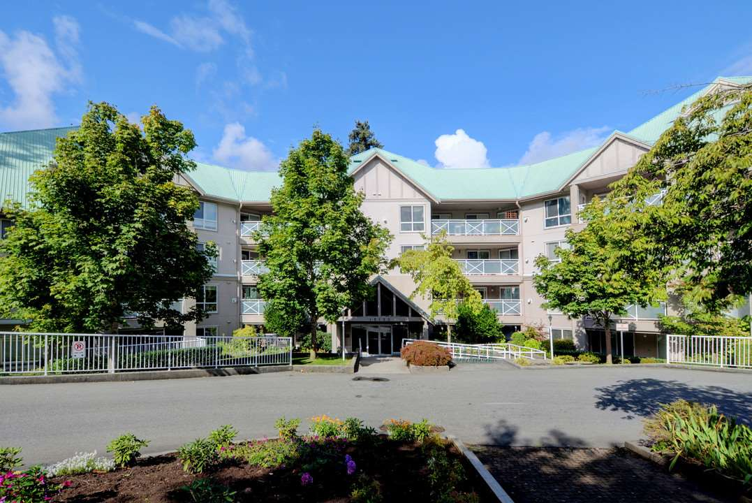 "Main Photo: 205 15150 29A Avenue in Surrey: King George Corridor Condo for sale in ""The Sands II"" (South Surrey White Rock)  : MLS® # R2207678"