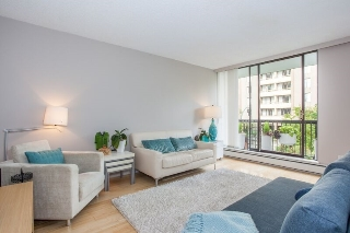"Main Photo: 303 1146 HARWOOD Street in Vancouver: West End VW Condo for sale in ""THE LAMPLIGHTER"" (Vancouver West)  : MLS® # R2209215"
