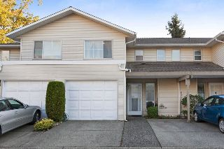 Main Photo: 26 16016 82 Avenue in Surrey: Fleetwood Tynehead Townhouse for sale : MLS® # R2213360