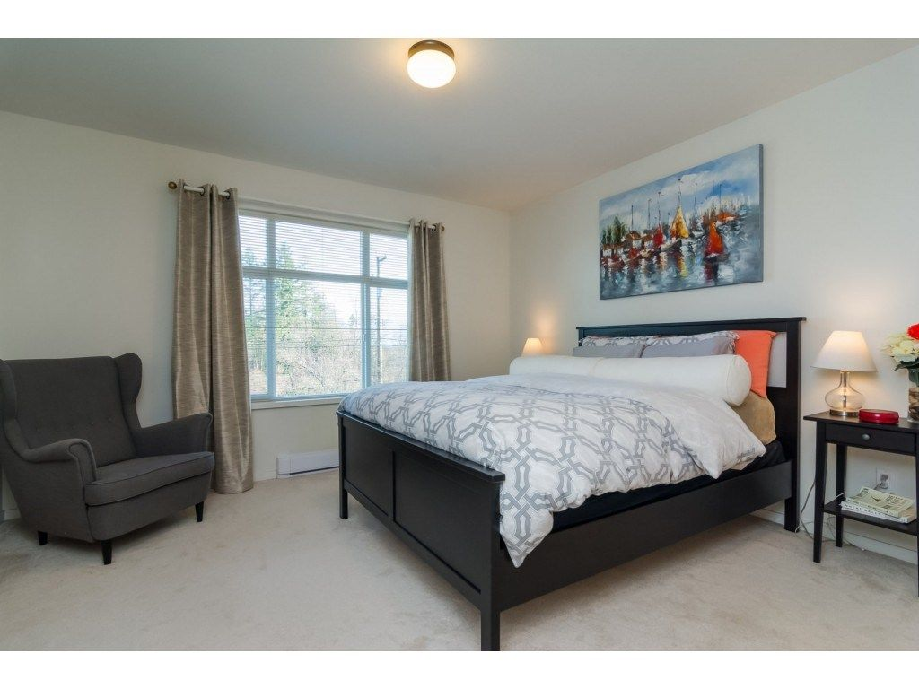 "Photo 12: Photos: 21 8355 164 Street in Surrey: Fleetwood Tynehead Townhouse for sale in ""Silverwood"" : MLS® # R2225292"