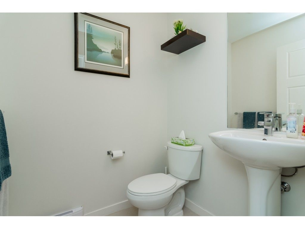 "Photo 11: Photos: 21 8355 164 Street in Surrey: Fleetwood Tynehead Townhouse for sale in ""Silverwood"" : MLS® # R2225292"