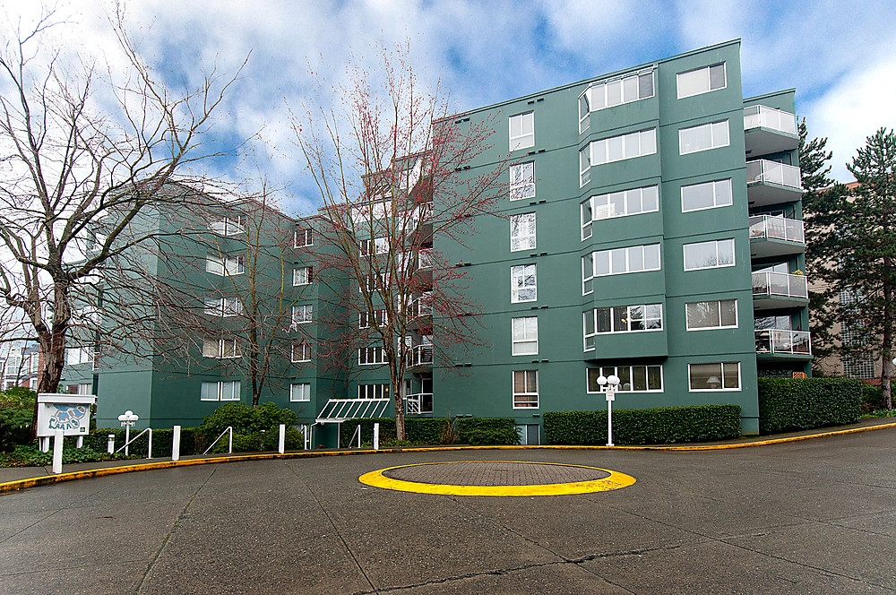 Main Photo: 104 1508 MARINER'S Walk in Vancouver: False Creek Condo for sale (Vancouver West)  : MLS® # V877552