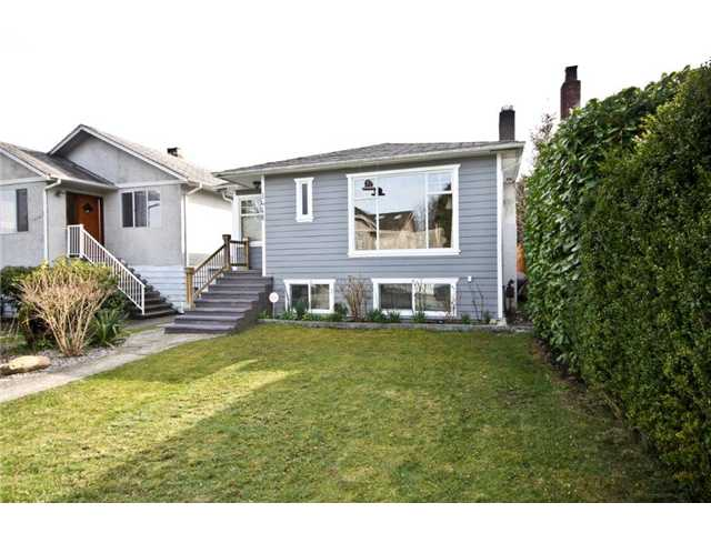 Main Photo: 3468 W 14TH Avenue in Vancouver: Kitsilano House for sale (Vancouver West)  : MLS® # V939443