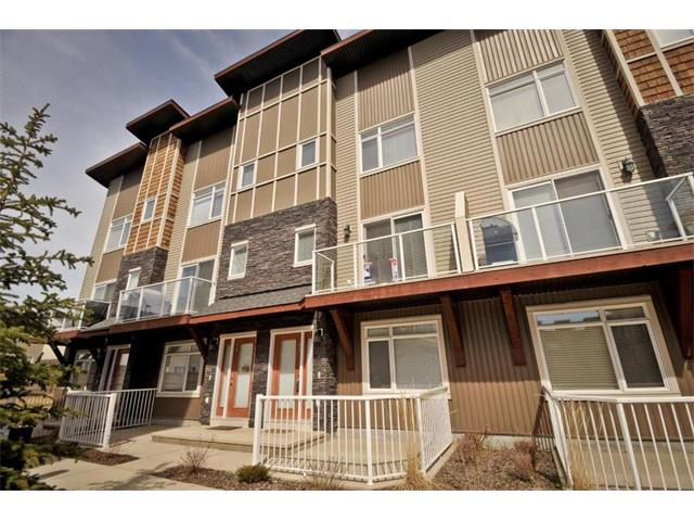 Photo 4: 108 SKYVIEW POINT Place NE in Calgary: Skyview Ranch House for sale : MLS(r) # C4007110