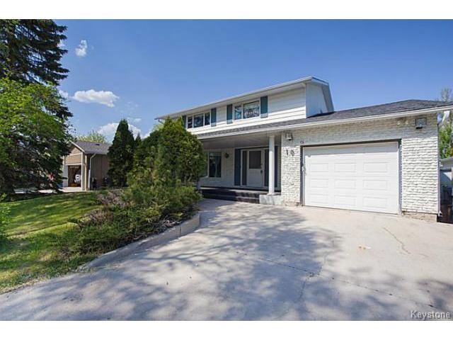 FEATURED LISTING: 19 Montcalm Crescent WINNIPEG