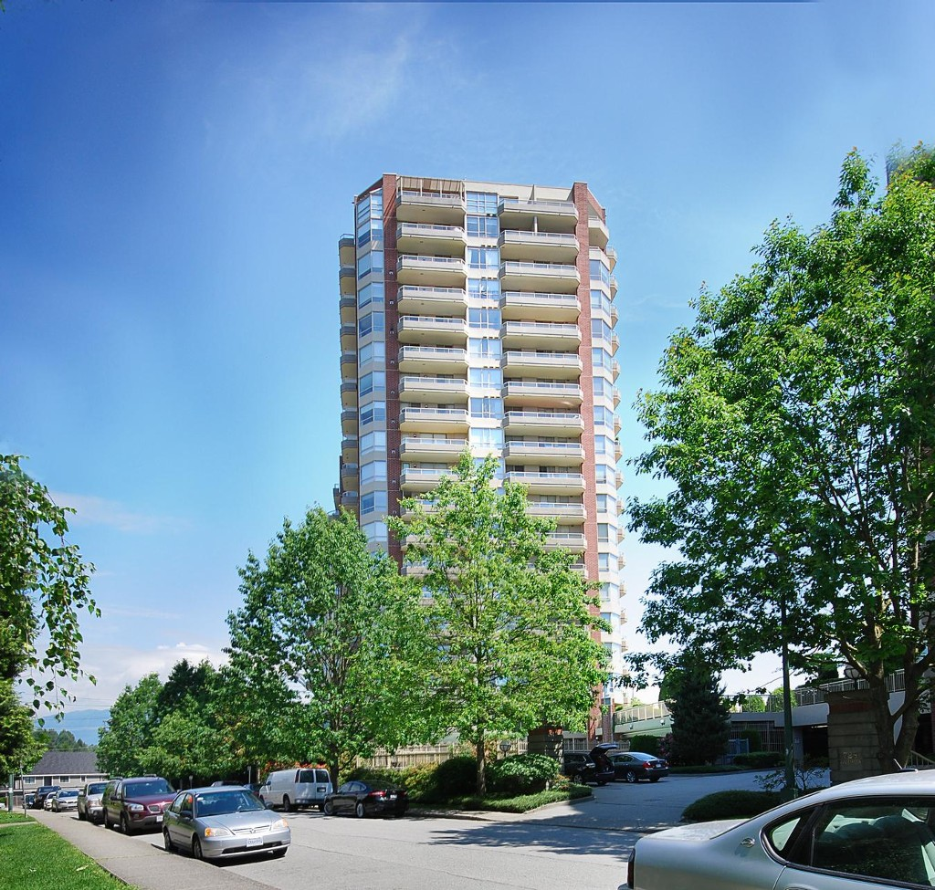 "Main Photo: 905 738 FARROW Street in Coquitlam: Coquitlam West Condo for sale in ""THE VICTORIA"" : MLS® # V1129262"