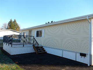 "Main Photo: 55 8220 KING GEORGE Boulevard in Surrey: Bear Creek Green Timbers Manufactured Home for sale in ""Crestway Bays"" : MLS(r) # R2017724"