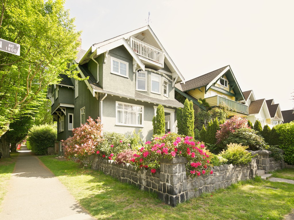 Photo 1: 1855 CREELMAN Avenue in Vancouver: Kitsilano House for sale (Vancouver West)  : MLS(r) # R2064016