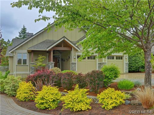 Main Photo: 1290 Eston Place in VICTORIA: La Bear Mountain Single Family Detached for sale (Langford)  : MLS® # 365360