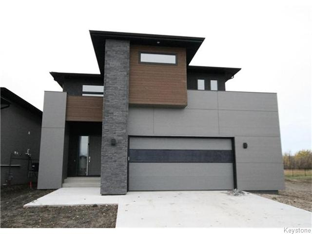 Main Photo: 12 Singleton Court in Winnipeg: Charleswood Residential for sale (1H)  : MLS(r) # 1626350