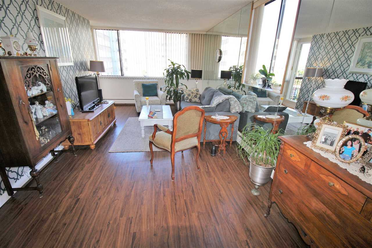"Photo 5: 1103 620 SEVENTH Avenue in New Westminster: Uptown NW Condo for sale in ""CHARTER HOUSE"" : MLS(r) # R2114923"