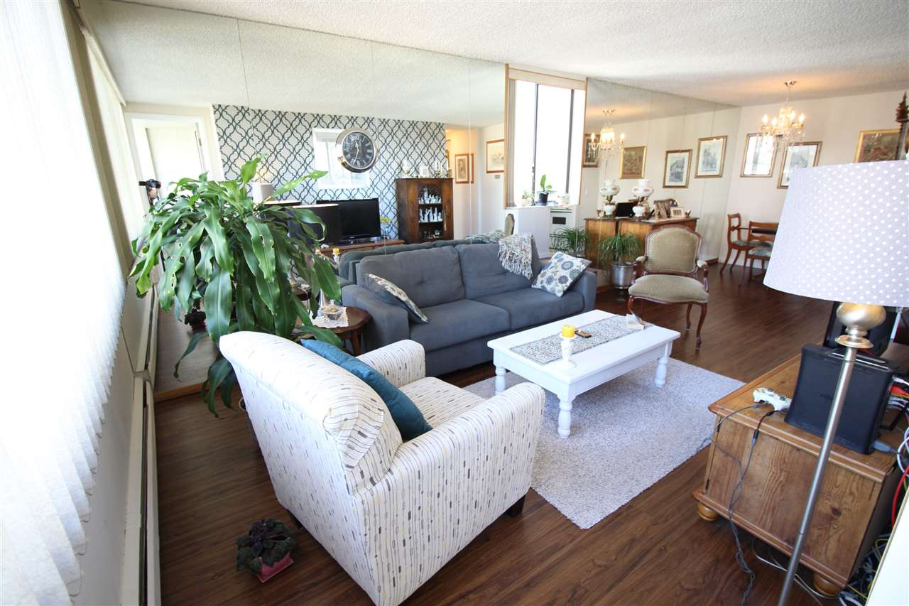 "Photo 3: 1103 620 SEVENTH Avenue in New Westminster: Uptown NW Condo for sale in ""CHARTER HOUSE"" : MLS(r) # R2114923"