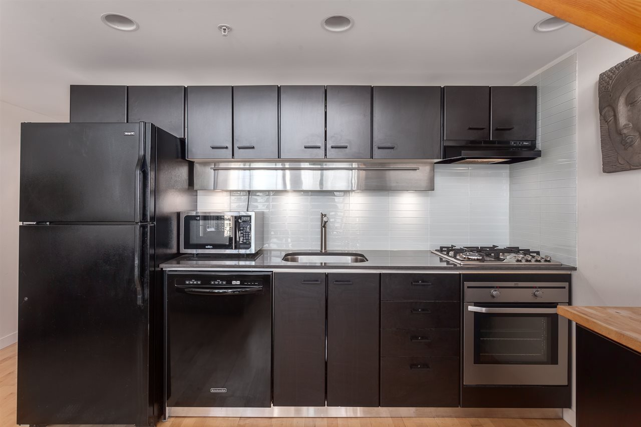 "Photo 4: 1214 933 SEYMOUR Street in Vancouver: Downtown VW Condo for sale in ""THE SPOT"" (Vancouver West)  : MLS(r) # R2137026"