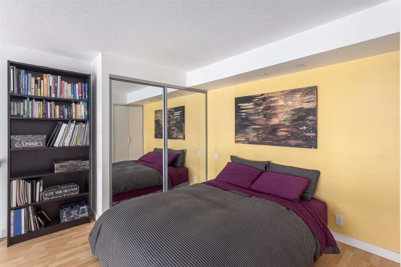 "Photo 7: 1214 933 SEYMOUR Street in Vancouver: Downtown VW Condo for sale in ""THE SPOT"" (Vancouver West)  : MLS(r) # R2137026"