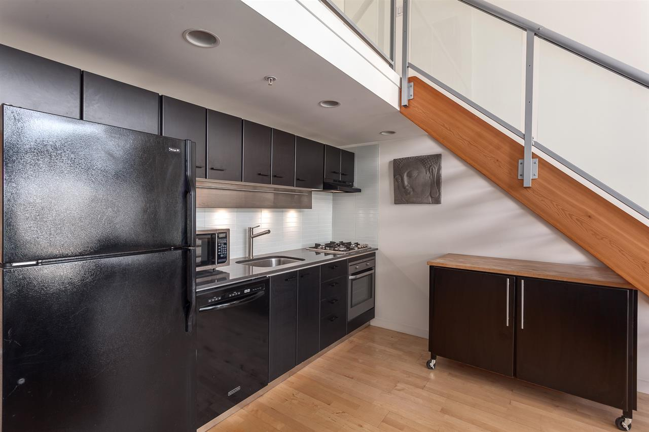 "Photo 3: 1214 933 SEYMOUR Street in Vancouver: Downtown VW Condo for sale in ""THE SPOT"" (Vancouver West)  : MLS(r) # R2137026"