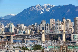 "Main Photo: 1105 1565 W 6TH Avenue in Vancouver: False Creek Condo for sale in ""6th & Fir"" (Vancouver West)  : MLS® # R2138649"