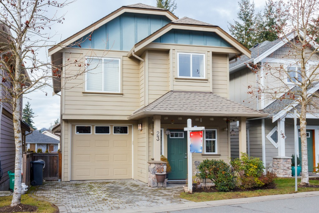 Main Photo: 23 2210 Sooke Road in VICTORIA: Co Hatley Park Single Family Detached for sale (Colwood)  : MLS® # 374243