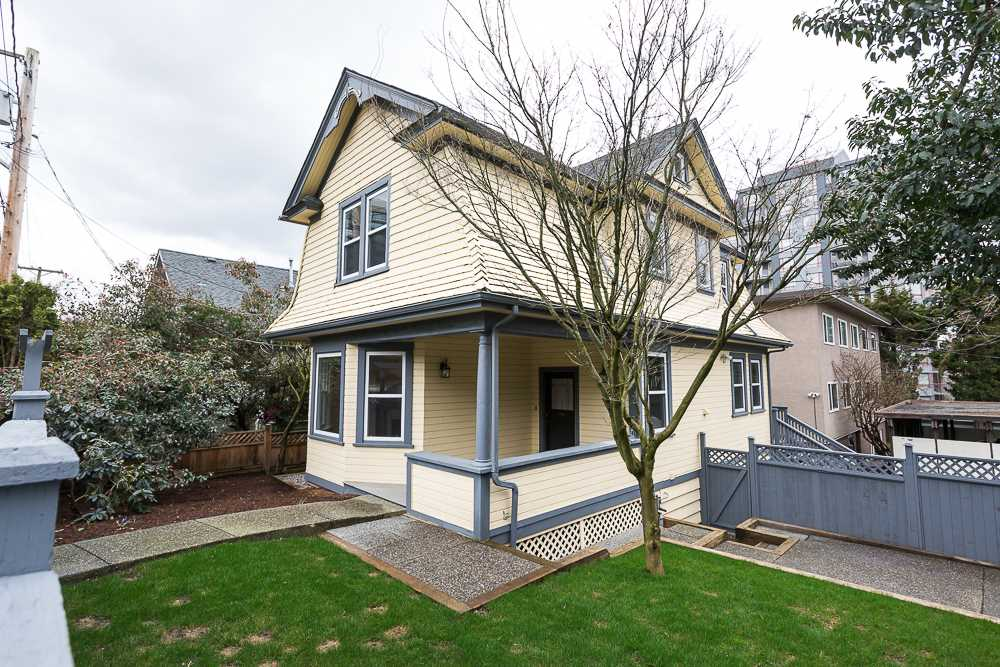 "Main Photo: 12 ROYAL Avenue in New Westminster: Downtown NW House for sale in ""DOWTOWN"" : MLS® # R2149696"