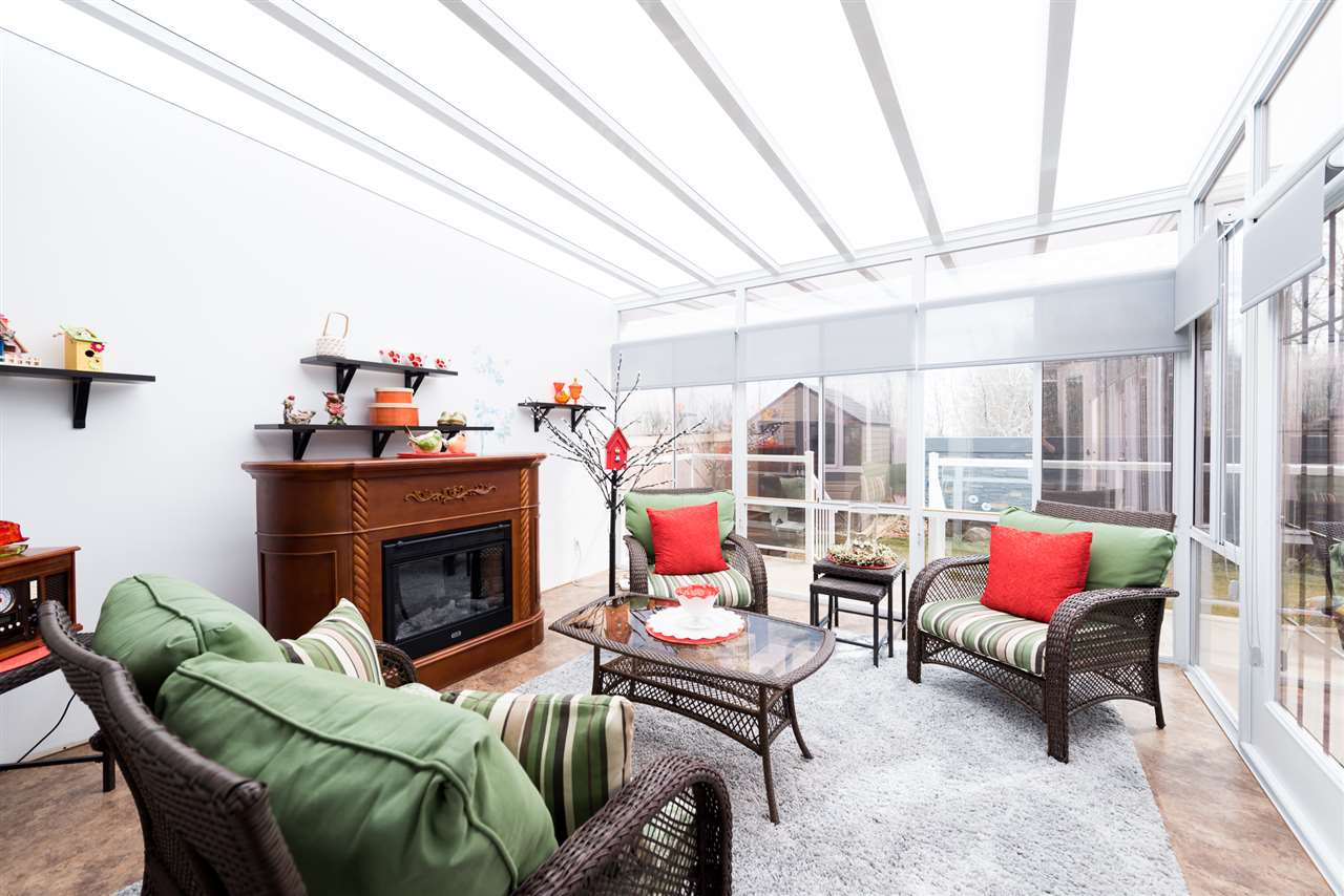 Three season spacious sunroom to enjoy our Alberta seasons. Be impressed and relax.