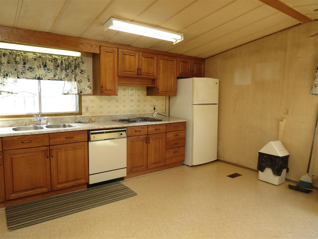 Photo 6: 4715 49A Street: Vimy Manufactured Home for sale : MLS(r) # E4063525