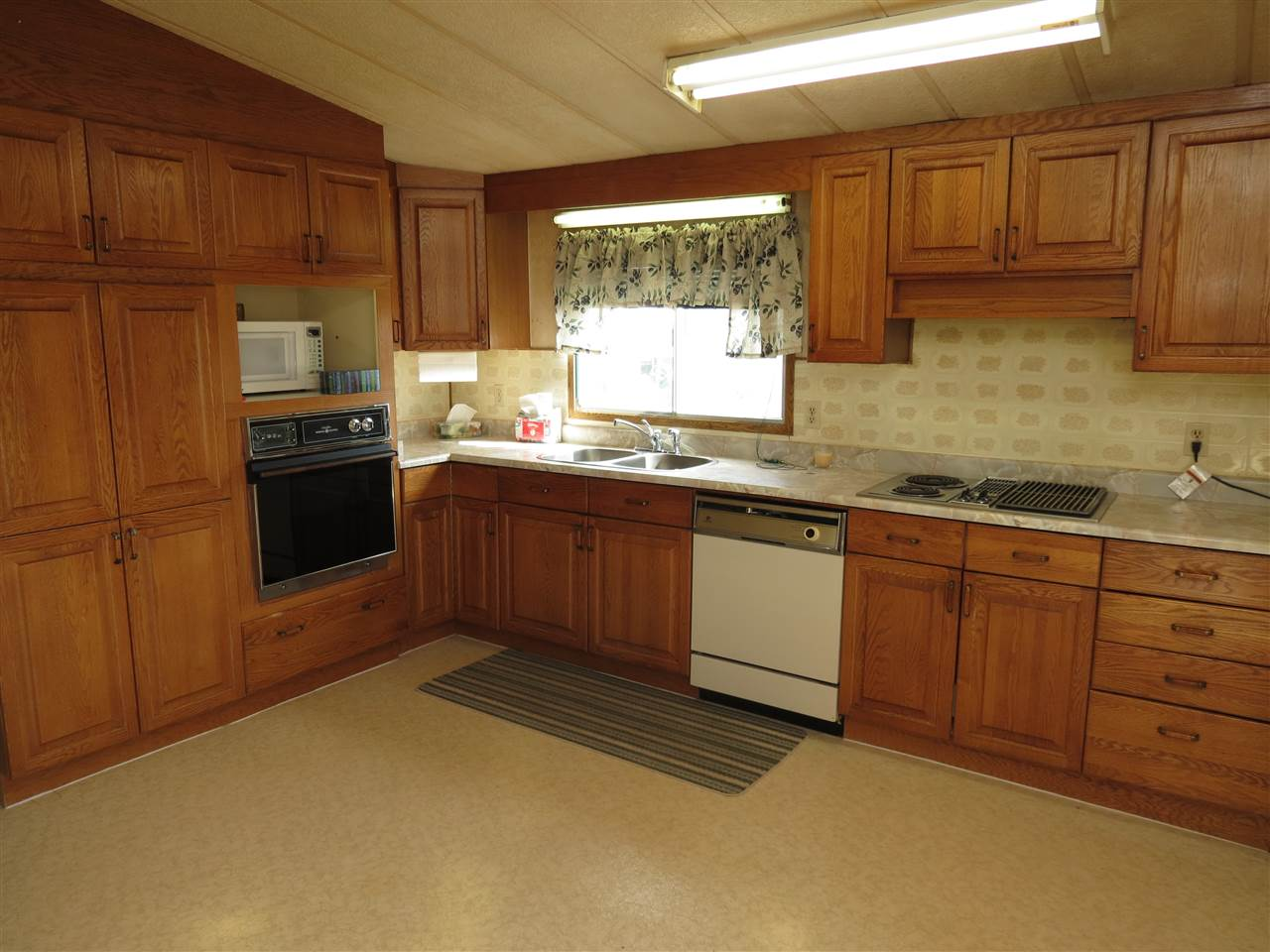 Photo 5: 4715 49A Street: Vimy Manufactured Home for sale : MLS(r) # E4063525