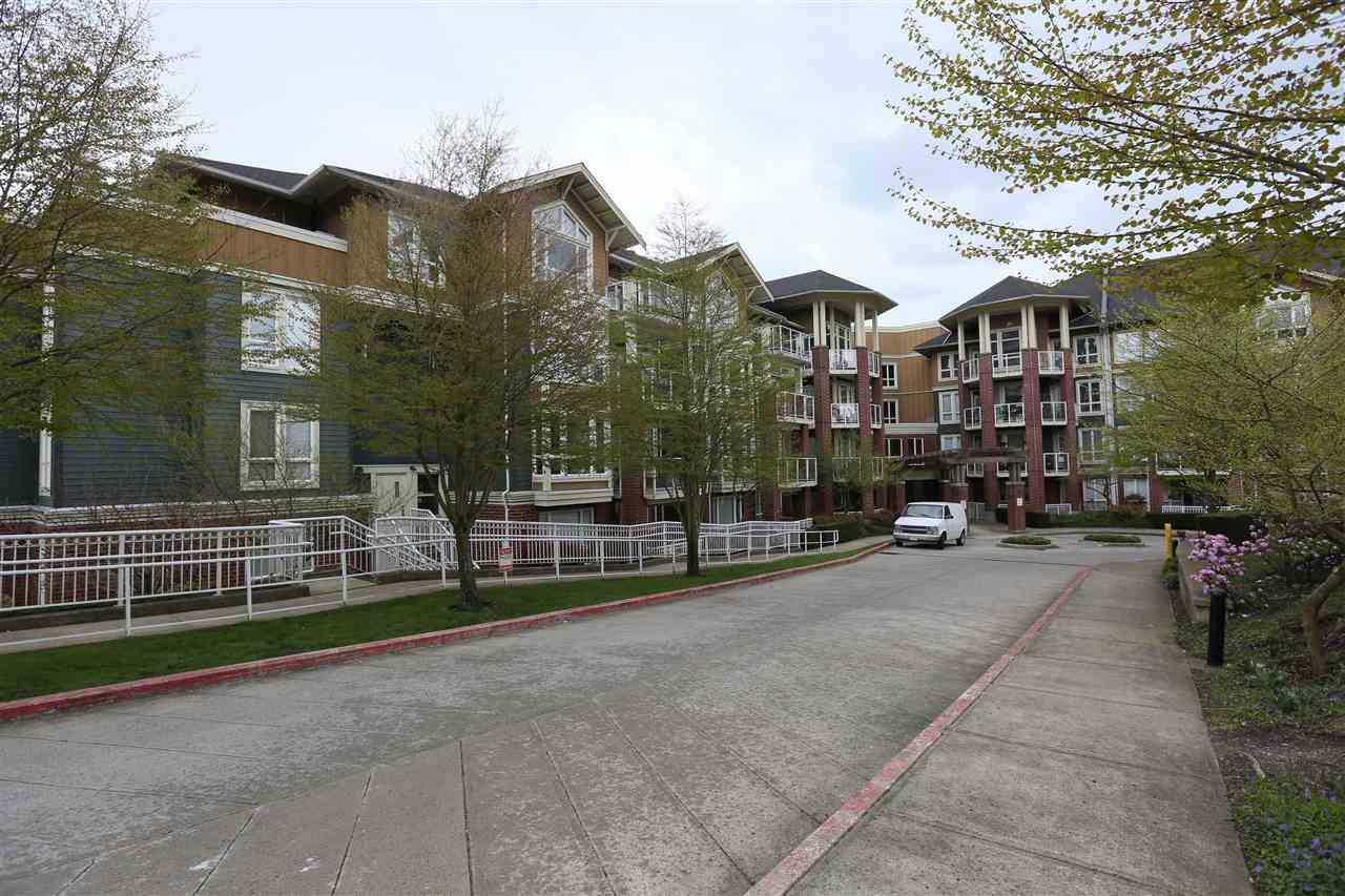 Main Photo: 307 14 E ROYAL AVENUE in New Westminster: Fraserview NW Condo for sale : MLS® # R2157525