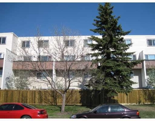 Main Photo:  in Edmonton: Zone 20 Condo for sale : MLS(r) # E4069204