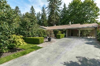 Main Photo: 925 SELKIRK Crescent in Coquitlam: Harbour Place House for sale : MLS(r) # R2182212