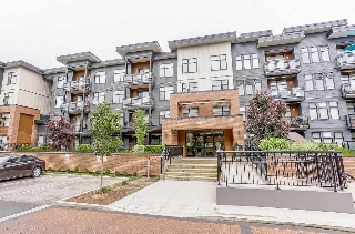 "Main Photo: 117 20078 FRASER Highway in Langley: Langley City Condo for sale in ""Varsity"" : MLS® # R2191562"