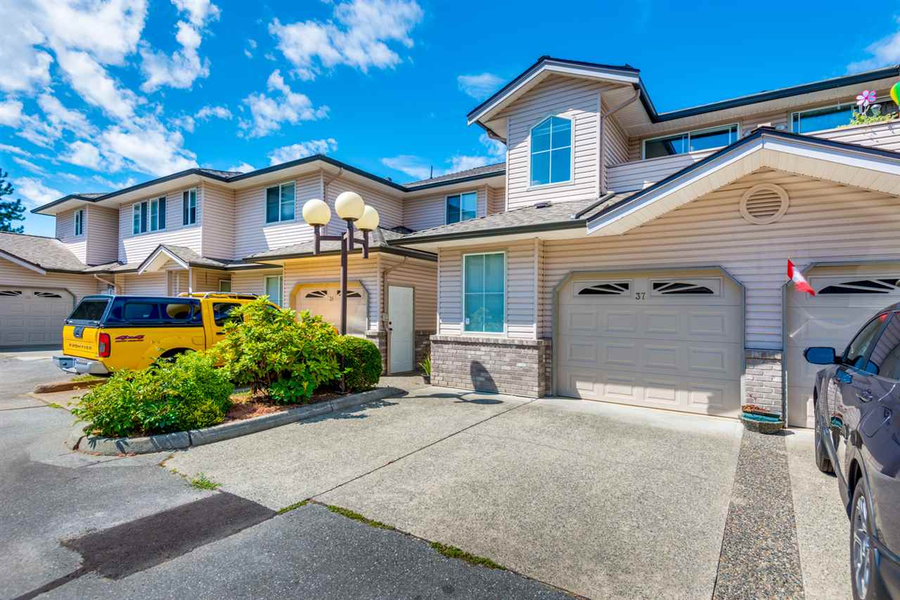 "Main Photo: 37 19060 FORD Road in Pitt Meadows: Central Meadows Townhouse for sale in ""REGENCY COURT"" : MLS® # R2202130"
