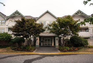 "Main Photo: 103 12633 72 Avenue in Surrey: West Newton Condo for sale in ""College Park"" : MLS® # R2215130"