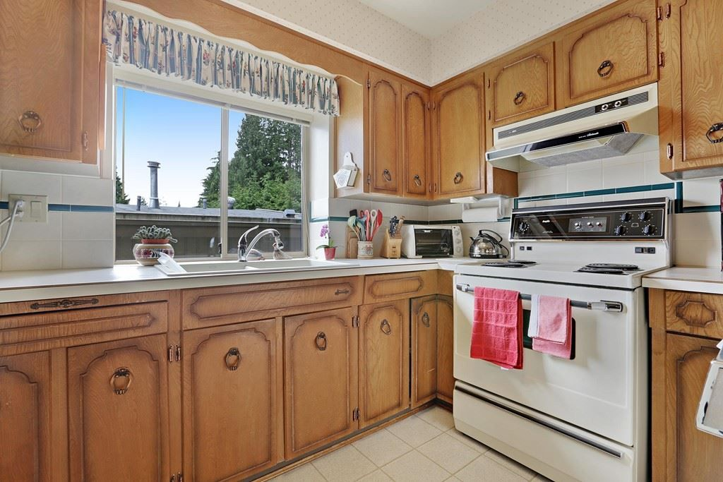 Photo 9: Photos: 4739 TOURNEY Road in North Vancouver: Lynn Valley House for sale : MLS® # R2219844