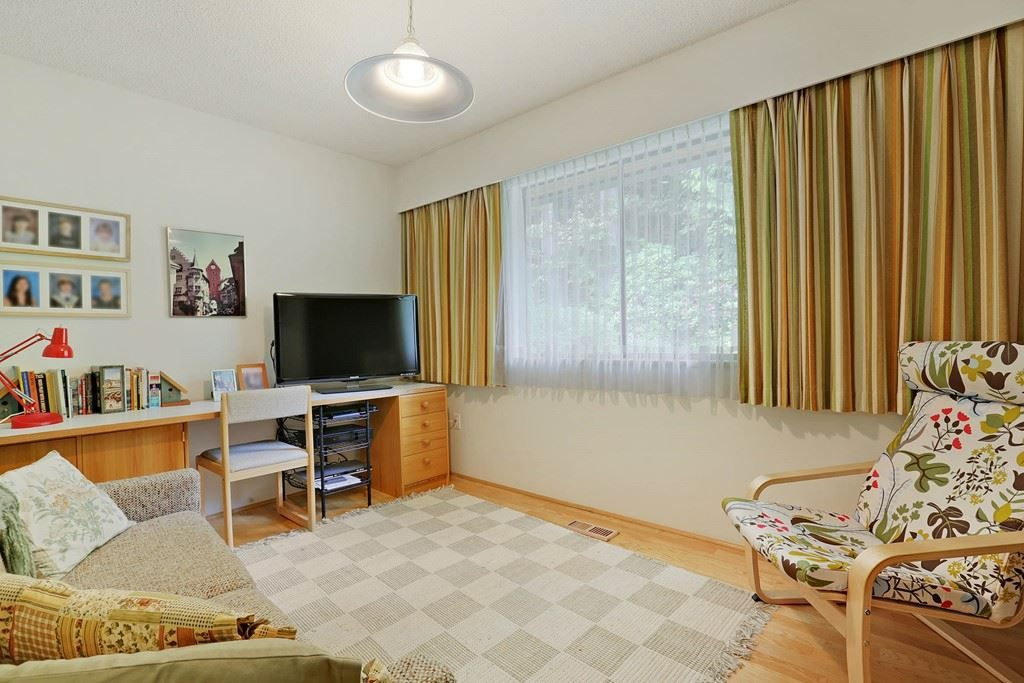 Photo 15: Photos: 4739 TOURNEY Road in North Vancouver: Lynn Valley House for sale : MLS® # R2219844