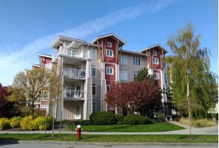"Main Photo: 109 4233 BAYVIEW Street in Richmond: Steveston South Condo for sale in ""The Village"" : MLS®# R2261312"