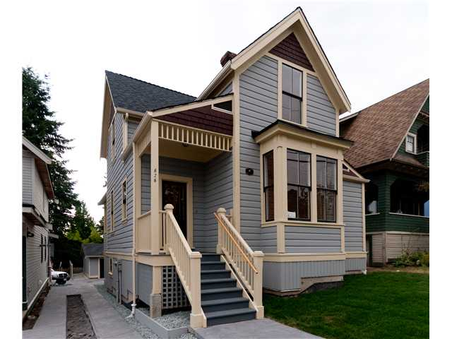"Main Photo: 626 10TH Street in New Westminster: Moody Park House for sale in ""MOODY PARK"" : MLS® # V904880"