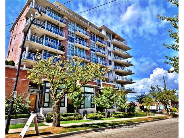 "Main Photo: # 602 298 E 11TH AV in Vancouver: Mount Pleasant VE Condo for sale in ""THE SOPHIA"" (Vancouver East)  : MLS®# V977820"