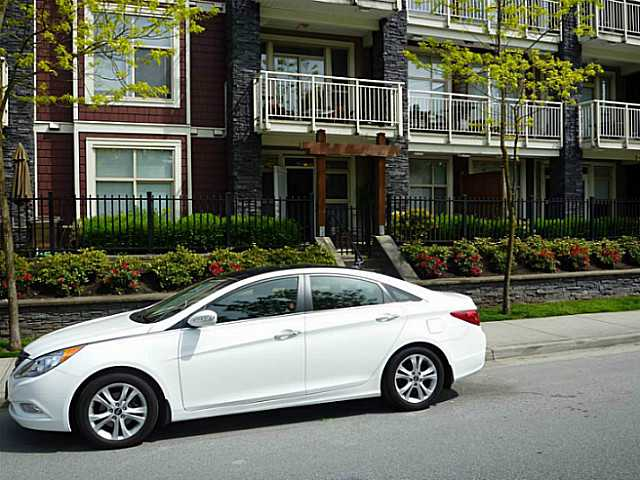 "Main Photo: 106 2477 KELLY Avenue in Port Coquitlam: Central Pt Coquitlam Condo for sale in ""SOUTH VERDE"" : MLS®# V1066084"