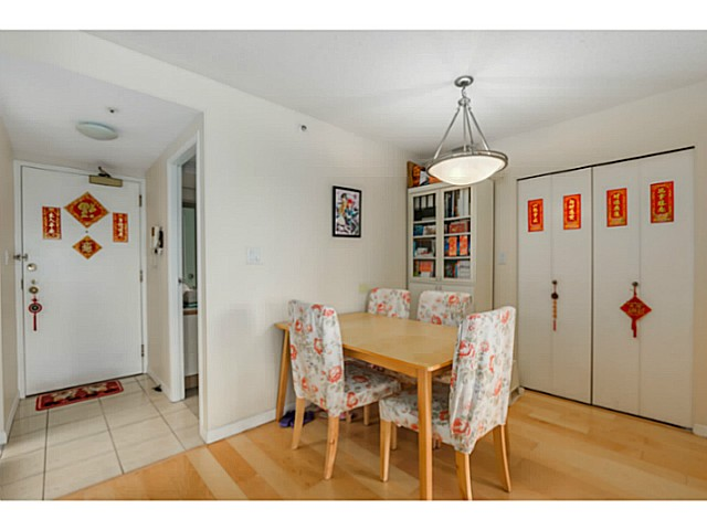 "Photo 8: 920 1268 W BROADWAY in Vancouver: Fairview VW Condo for sale in ""CITY GARDENS"" (Vancouver West)  : MLS(r) # V1087529"