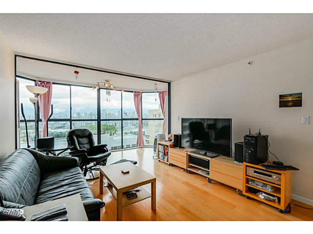 "Photo 4: 920 1268 W BROADWAY in Vancouver: Fairview VW Condo for sale in ""CITY GARDENS"" (Vancouver West)  : MLS(r) # V1087529"