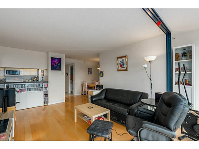 "Photo 5: 920 1268 W BROADWAY in Vancouver: Fairview VW Condo for sale in ""CITY GARDENS"" (Vancouver West)  : MLS(r) # V1087529"
