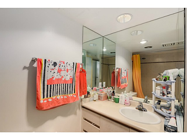 "Photo 13: 920 1268 W BROADWAY in Vancouver: Fairview VW Condo for sale in ""CITY GARDENS"" (Vancouver West)  : MLS(r) # V1087529"