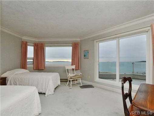 Master bedroom with amazing panoramic views. Sliding door leads