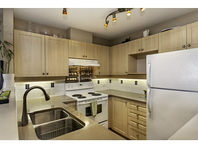 "Photo 5: 36 7179 18TH Avenue in Burnaby: Edmonds BE Condo for sale in ""CANFORD CORNER"" (Burnaby East)  : MLS® # V1106758"