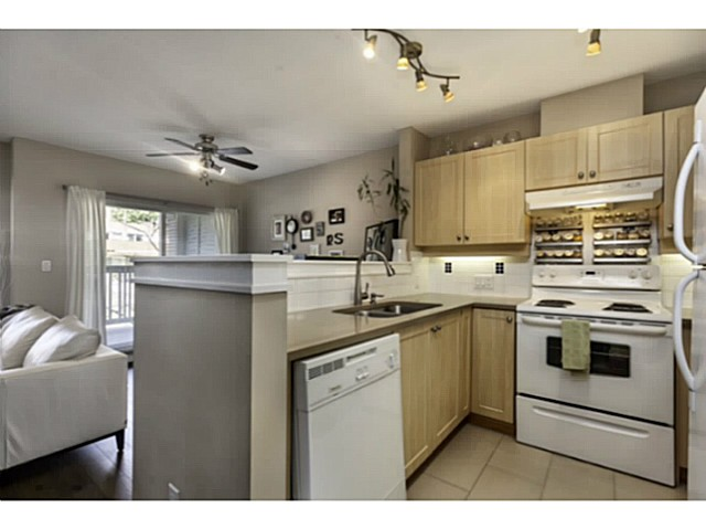 "Photo 4: 36 7179 18TH Avenue in Burnaby: Edmonds BE Condo for sale in ""CANFORD CORNER"" (Burnaby East)  : MLS® # V1106758"