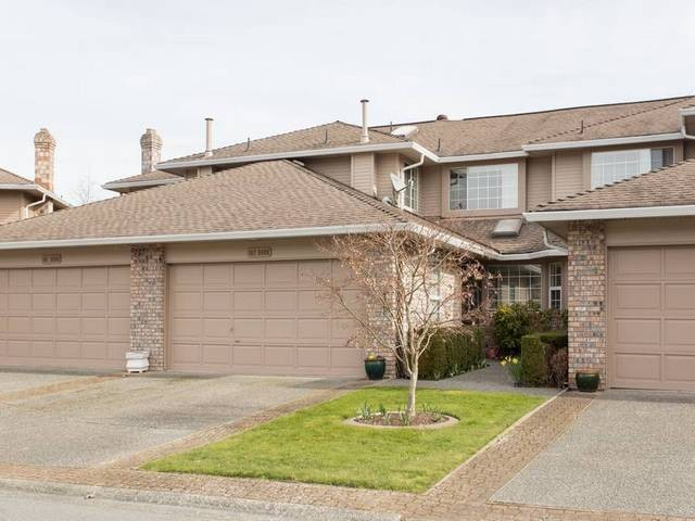 "Main Photo: 102 6090 W BOUNDARY Drive in Surrey: Panorama Ridge Townhouse for sale in ""Lakewood Estates"" : MLS®# F1434141"