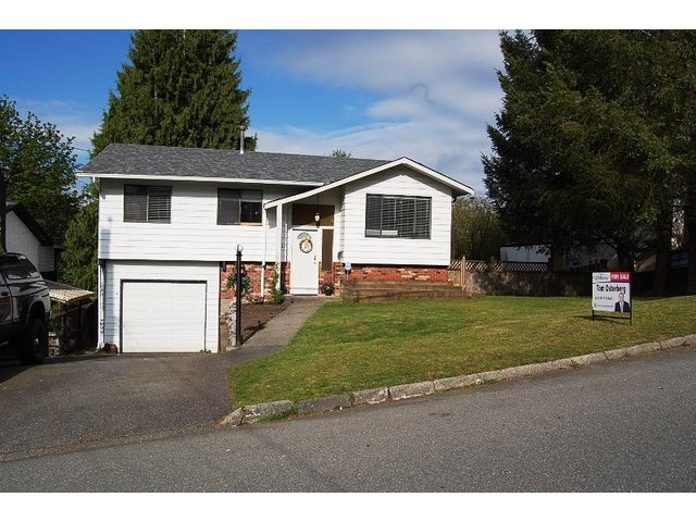 Main Photo: 8021 EAGLE Crescent in Mission: Mission BC House for sale : MLS® # F1439896