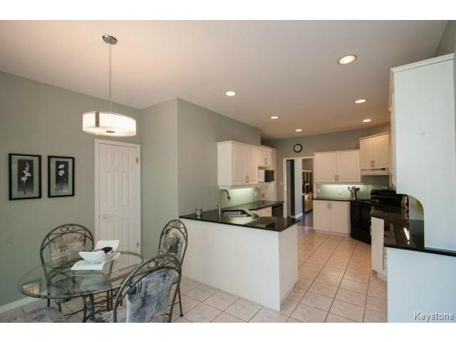Photo 9: 103 EAGLE CREEK Drive in ESTPAUL: Birdshill Area Residential for sale (North East Winnipeg)  : MLS(r) # 1511283